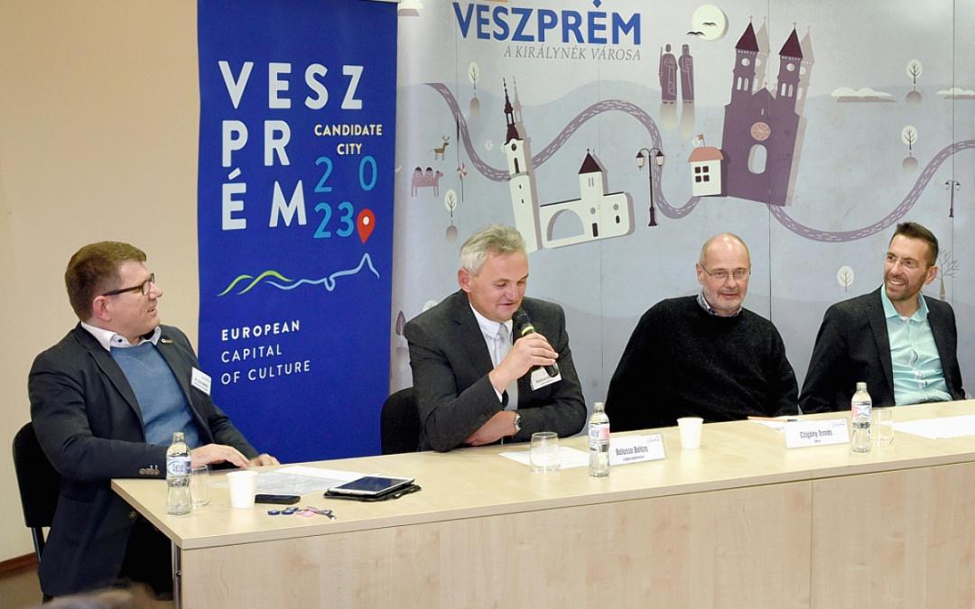 Csite András moderált a II. Közéleti Minikonferencián Veszprémben