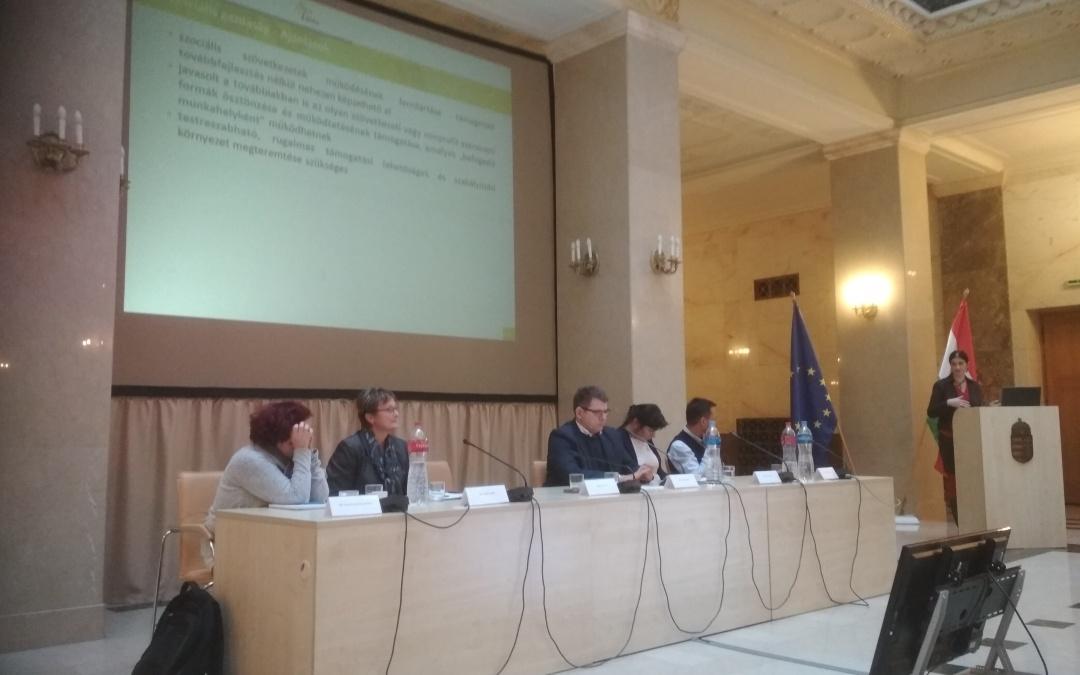 Több konferencián is bemutattuk a közfoglalkoztatási rendszert vizsgáló tanulmányunkat
