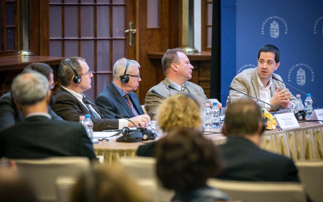Balás Gábor részt vett az OECD országjelentésének bemutatóján tartott panelbeszélgetésen