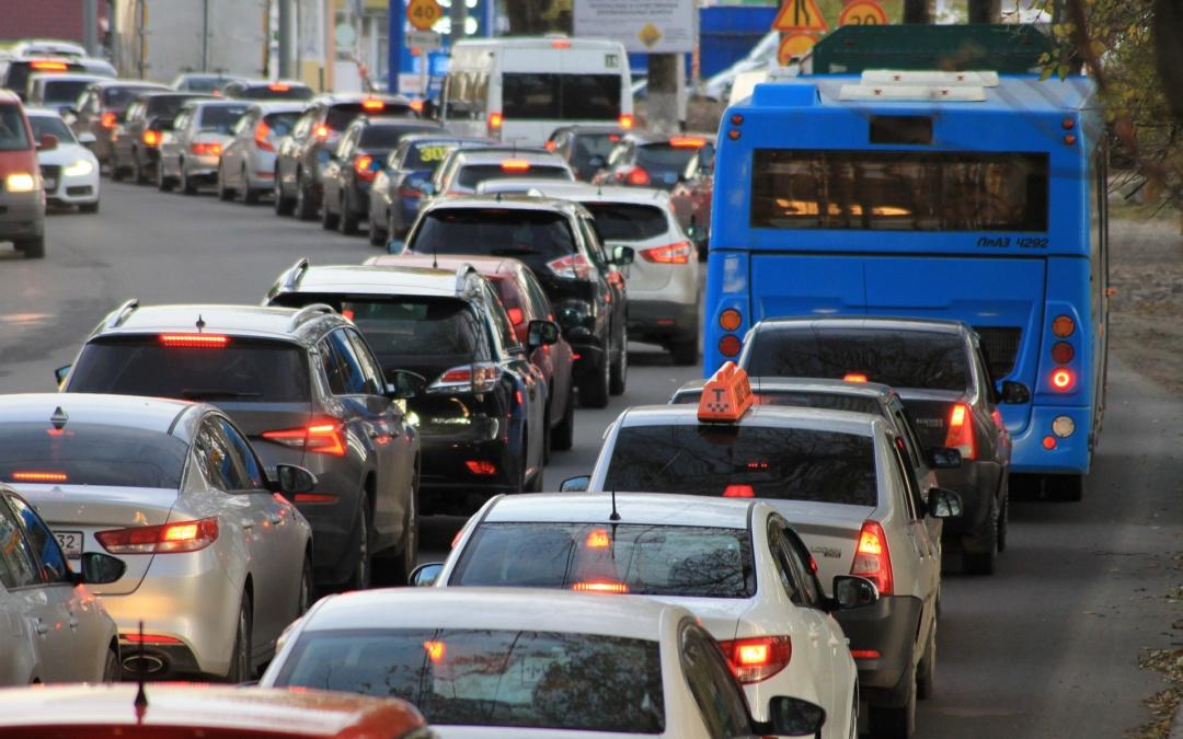 Hogyan kerülhetjük el a városi dugókat a járvány lecsengése után? A HÉTFA javaslatai