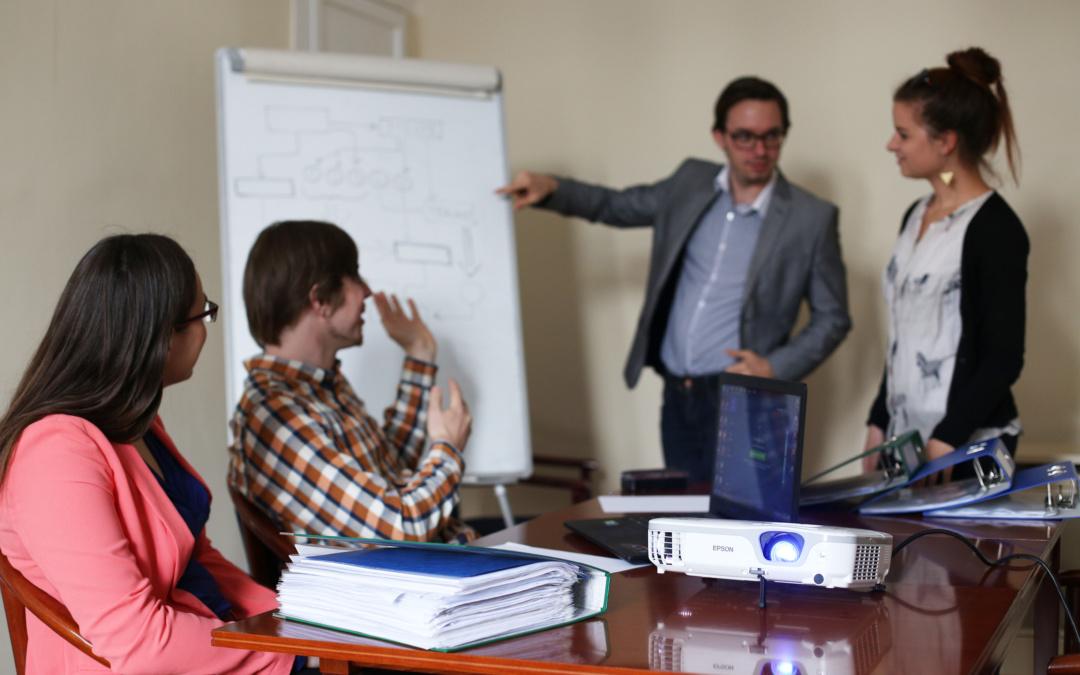 Tapasztalt kollégákat keresünk a HÉTFA Nemzetközi Projektirodájába